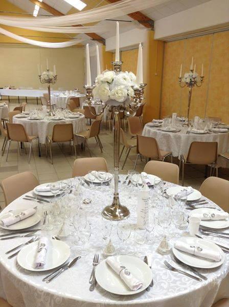 Mariage blanc argent for Deco table argent et blanc